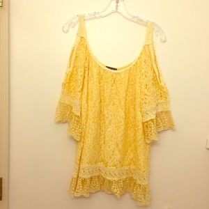 LOLA MADE IN ITALY YELLOW LACE COLD SHOULDER TOP